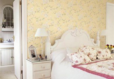 Giấy dán tường phòng ngủ giá bao nhiêu tiền 1m2 ? Các mấu giấy dán tường phòng ngủ nên chọn
